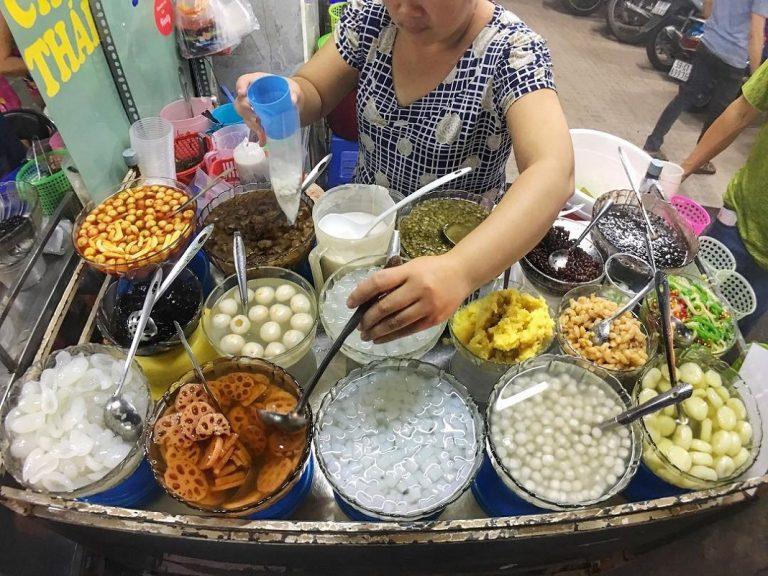 5 khu chợ chiều hội tụ đủ các món ăn vặt vừa ngon vừa rẻ ở Sài Gòn