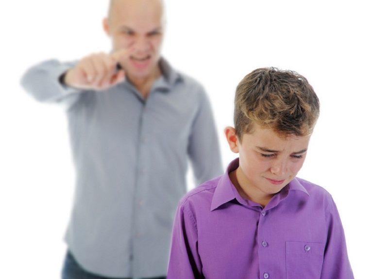 Mắng gì thì mắng, bố mẹ nhất định phải tránh những câu nói này bởi nó sẽ làm tổn thương con đấy!