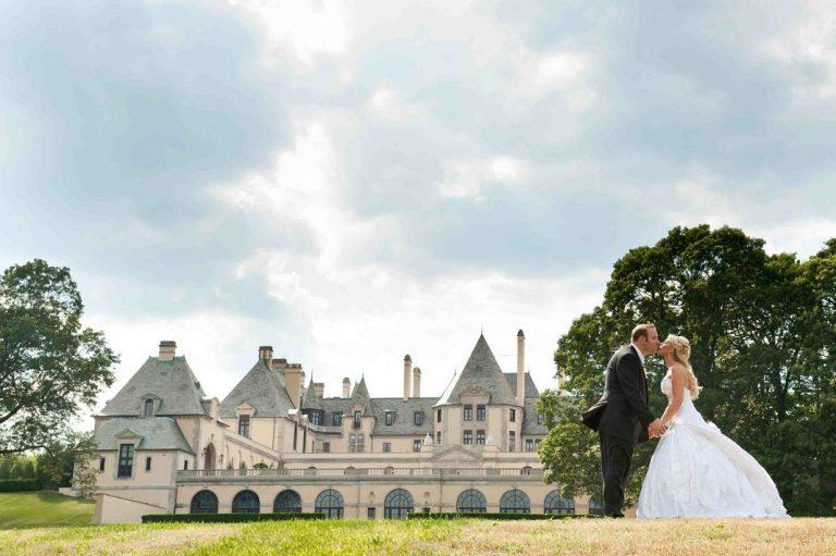 4 sự thật về toà lâu đài mà chỉ giới nhà giàu ở Mỹ mới dám thuê tổ chức đám cưới, Taylor Swfit là ngôi sao hiếm hoi từng quay MV ở đây